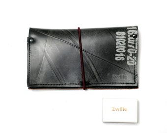 Wallet made of recycled tractor+bicycle hose