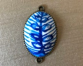 Blue Porcelain Style Charm | Polymer Clay Pendant | Blue Onion Style Leaf | Zwiebelmuster Style | Leaf Charm
