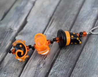 Necklace / Glass Bead Necklace / Necklace 'Glass Beads Orange/Black Halloween Witch Hat'