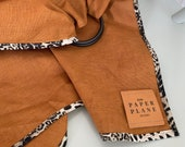 "Ring Sling ""Quinn"" with Leopard Print Detail"