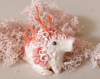 Baby Godgilla [2]  -  figurine with genuine momo coral !!!