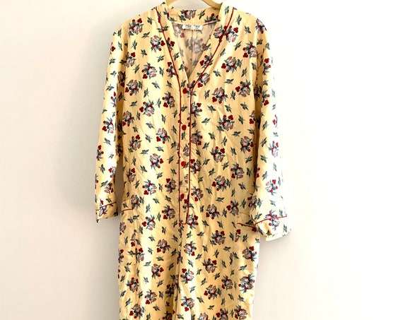 Cutsie Floral Onsie Jumpsuit -Very light weight flannel- made in England - labeled size L more like an US medium