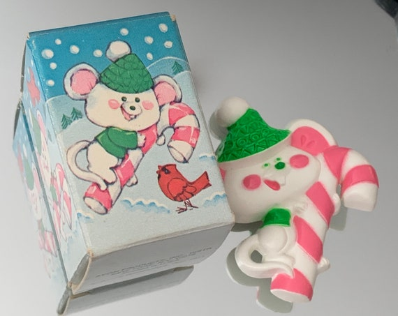 Vintage Avon Lickety Stick Mouse Pin, Tween Teen Jewelry, Collecting for Kids! Winter Holiday Pink Candy Cane! original box 1974
