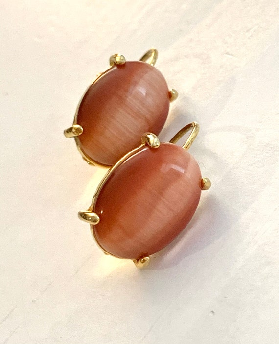 Vintage Salmon Pink Thermoset Earrings, Oval Dangles, Pierced with Latch