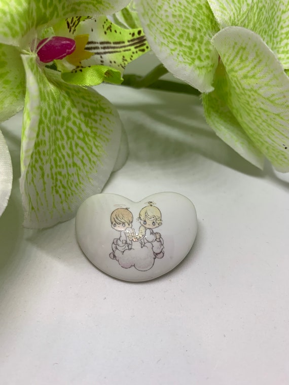Sweet Boy & Girl Precious Moments Porcelain Heart Pin,  Signed 1987 Samuel J Butcher, Vintage Collectible tween jewelry, sweetheart pin