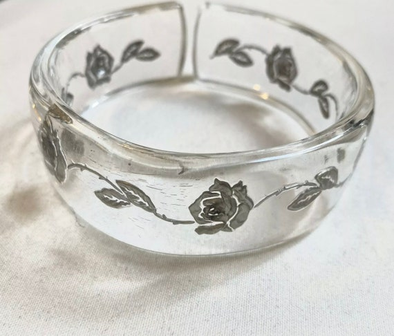 Floral Clear Lucite Bangle Bracelet with Painted Silver Roses, 1960s Vintage