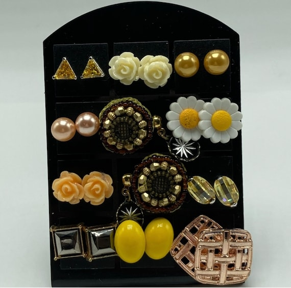 Fun collection of 12 pairs of Vintage stud earrings, fashion jewelry, mostly floral, yellow, daisies, roses and starburst