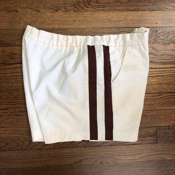 """2.5"""" Inseam 70s Men's Tennis Short Shorts with Si… - image 5"""