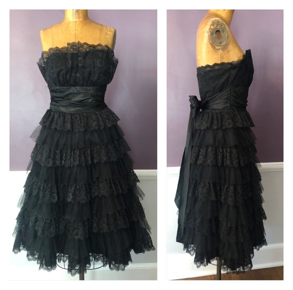 Gorgeous Lace and Tulle 80s Does 50s Formal Strapl