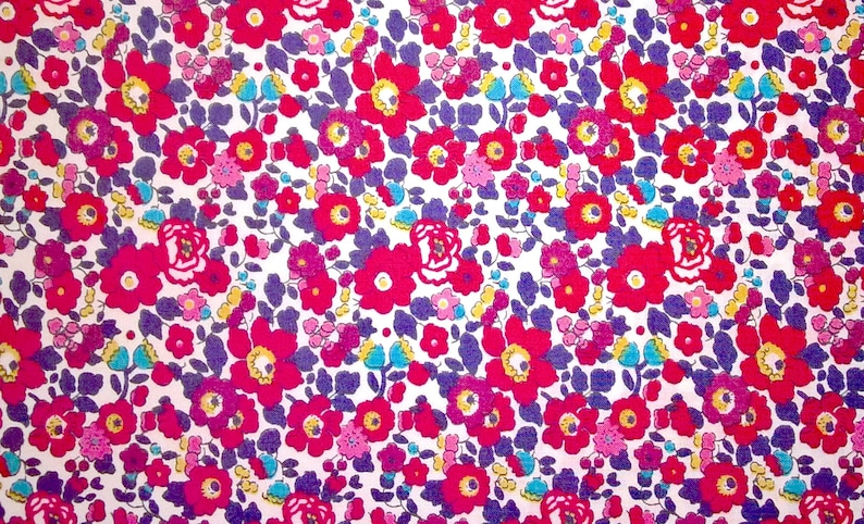 - 100/% COTTON FABRIC BETSY ANN LIBERTY TANA LAWN B