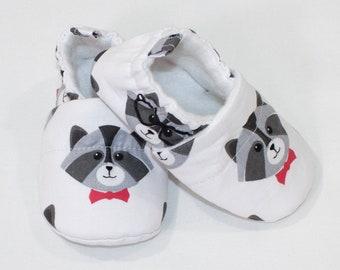 4ab1148145ae2 Raccoon baby shoes | Etsy