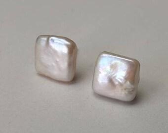 Square beaded stud earrings in 925 silver