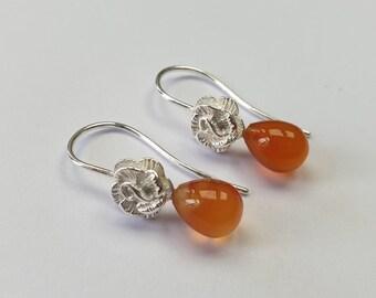Rose-earrings in Silver with cornelian