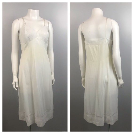 1960s Full Slip / White Nylon Floral Embroidery S… - image 3