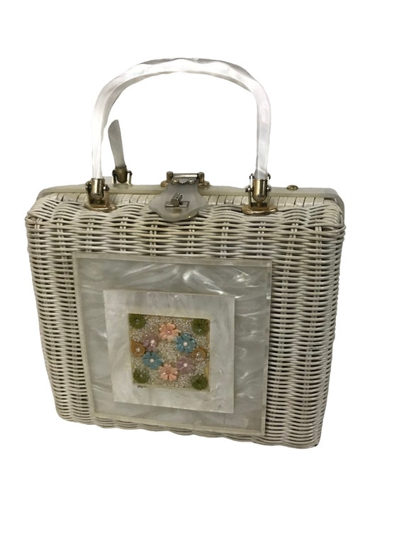 1960s White Wicker Lucite Purse / Woven Handbag Fl