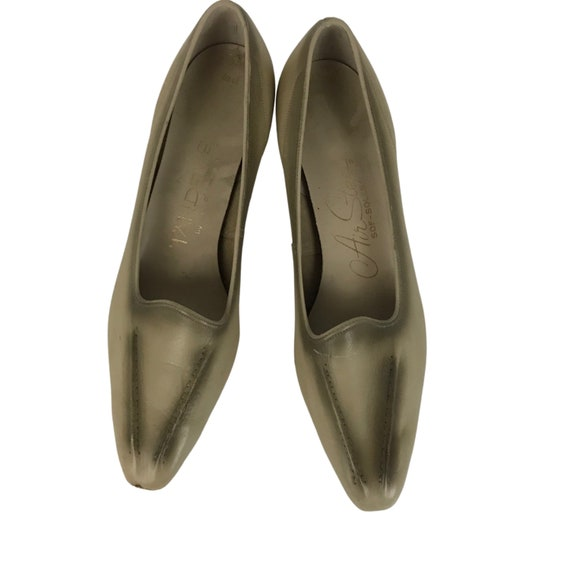1960s Flats Shoes / 60s NOS Two Tone Slip On Point