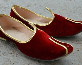 Handmade Men Wedding Shoe Maroon Velvet Khussa Shoe Aladdin Shoes Costume  Party Footwear Indian Maharaja Mojari Gents Jutti Jooti d52fcfa78001