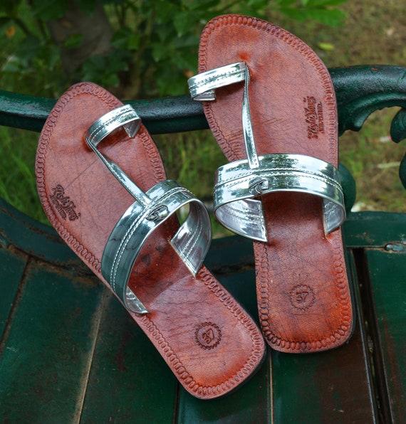 Silver Strap Party Wear Handmade Women Leather Sandal Ladies Sandal Flip Flop Indian Dress Shoe