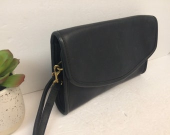 32c6b55e1b0f Vintage 90 s Coach Navy Leather Sterling Crossbody Flap Shoulder Purse -  Navy Coach Envelope Crossbody