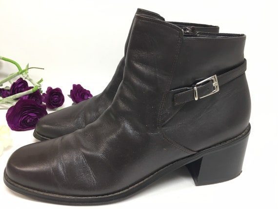 90s Brown leather ankle boots size 8 M - image 1