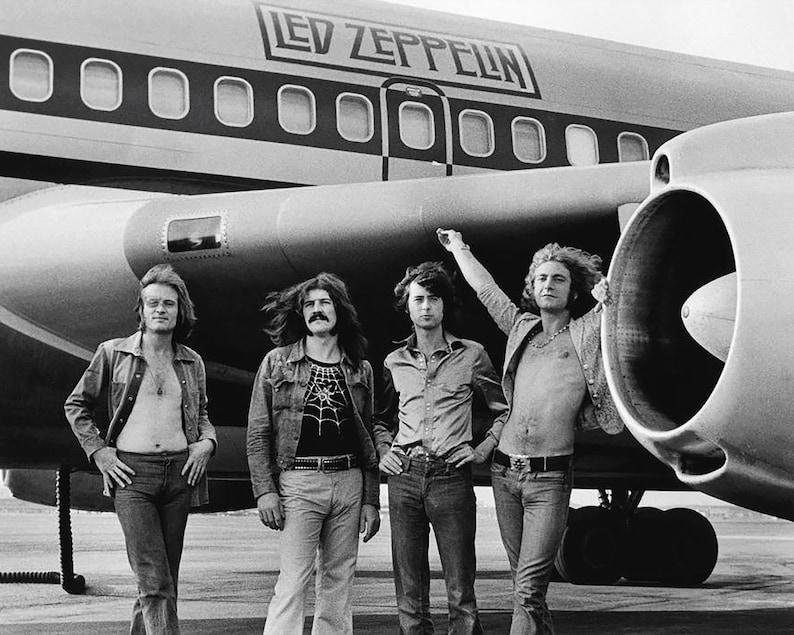 ผลการค้นหารูปภาพสำหรับ led zeppelin and plane
