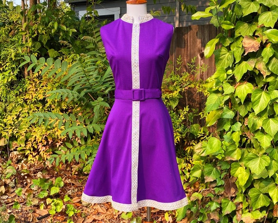 1960's Dazzling Deep Purple Nerhu Collar Dress
