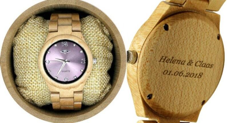 df185d41b63c8 Zegarek z grawerowanym klonem i bransoletą z klonu i fioletową | Etsy