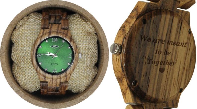 5fc6a7787ebdc Grawerowany damski zegarek Zebrawood z zieloną tarczą W131 | Etsy