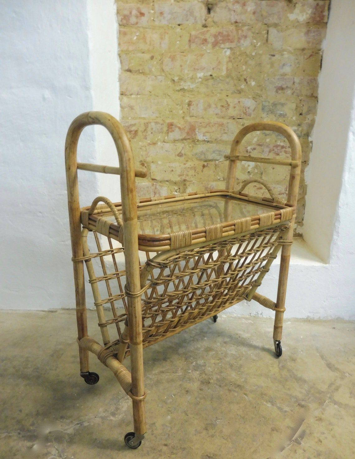 Exceptional rattan bamboo newspaper stand tray large trolley side table glass tray 50s 60s mid century vintage