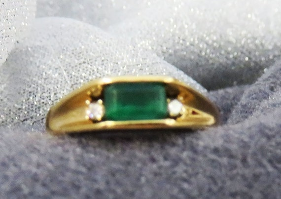 Emerald (Green) Gemstone with Melees 14 KT Size (8