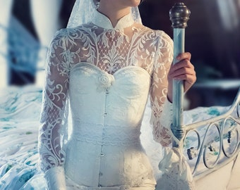 Wedding dress with gorgeous lace, corset, veil & underskirt in set, tailored, bespoke, bespokebride, wedding, wedding, bride