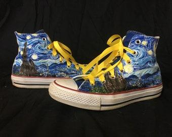 Baskets Custom femmes taille nuit étoilée peinte à la main Converse Shoes, unisexe Van Gogh peinture sur noirs hauts sommets, Artsy Fartsy chaussure