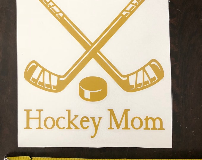 hockey mom decal/ ice hockey sticker/ team mom car dacal/ hockey mug/ canada hockey/ maple leaves/ calgary hockey/ usa hockey/
