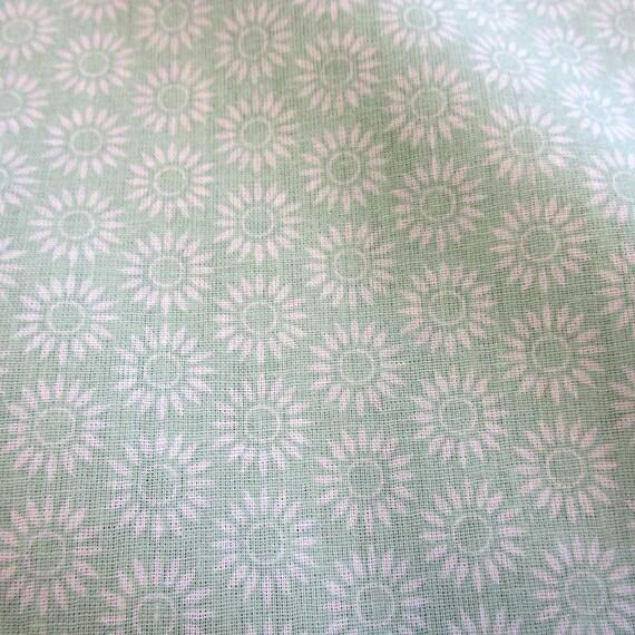 Stoff Meterware Baumwollstoff grün hellgrün Vogel Amsel Blusenstoff Dekostoff