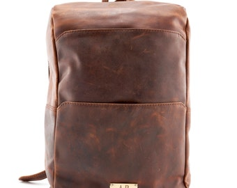 fde10f77fa7 A.P. Donovan - Men's leather backpack with notebook case | separate  compartment for MacBook Pro 15 | brown