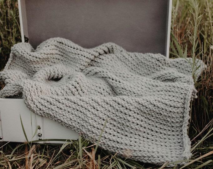 Chunky Knit Baby Blanket - Light Grey - Soft Knit Blanket