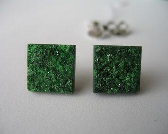 """Paar Ohrstecker quadratische aus Uwarowit-Kristallrasen mit Sterlingsilberbrisur """"Sommergrün"""""""