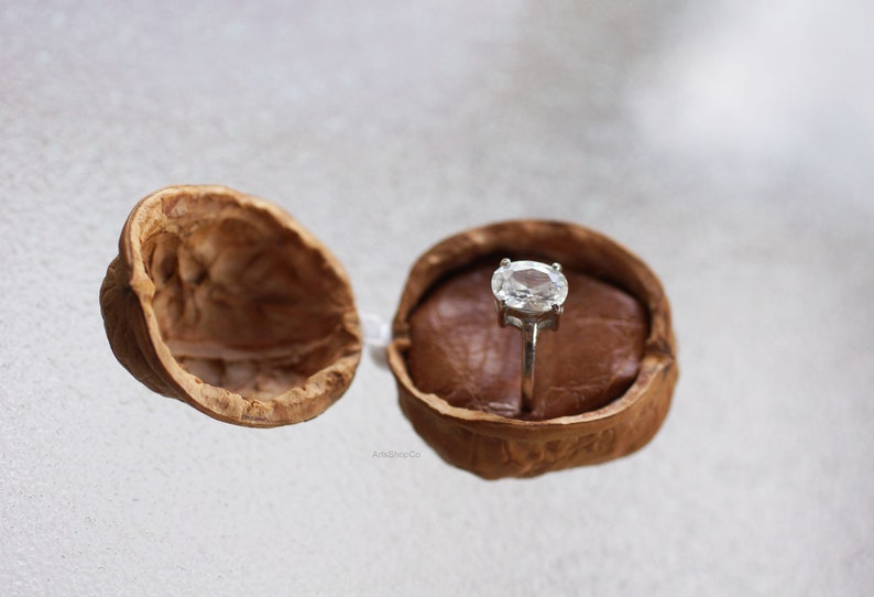 One of a Kind Small Ring Gift Box Original Marriage Wedding Proposal Ring Jewelry Box Natural Walnut Shell Box for Ring Natural Unique
