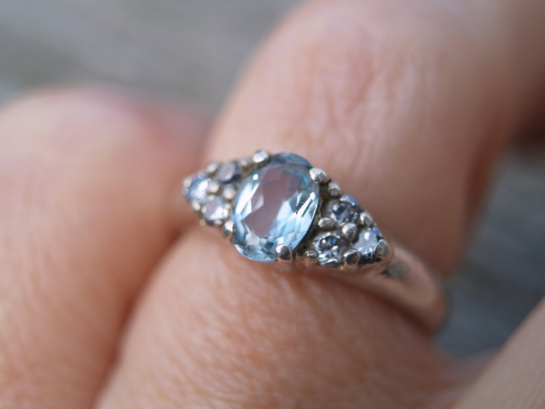 Vintage Sterling Silver /& Cubic Zirconia Ring.