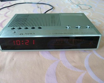 Radio/Grundig Vintage 70s white table radio | Etsy