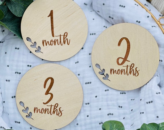 Gender Neutral Baby Gift | Baby Milestone Discs | Monthly Photo Prop for Baby | Newborn Picture Props