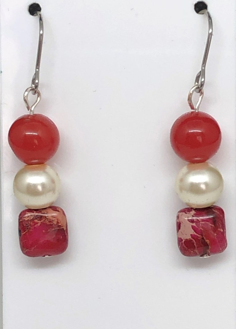 Pearls and Red Jasper Beads Earrings of Red Jade Beads