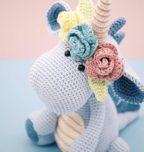 Ravelry: Female amigurumi doll pattern by Giulia Zeta | 602x570