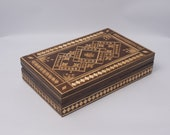 A Lovely Vintage Marquetry Pattern Wooden Jewellery Trinket Box