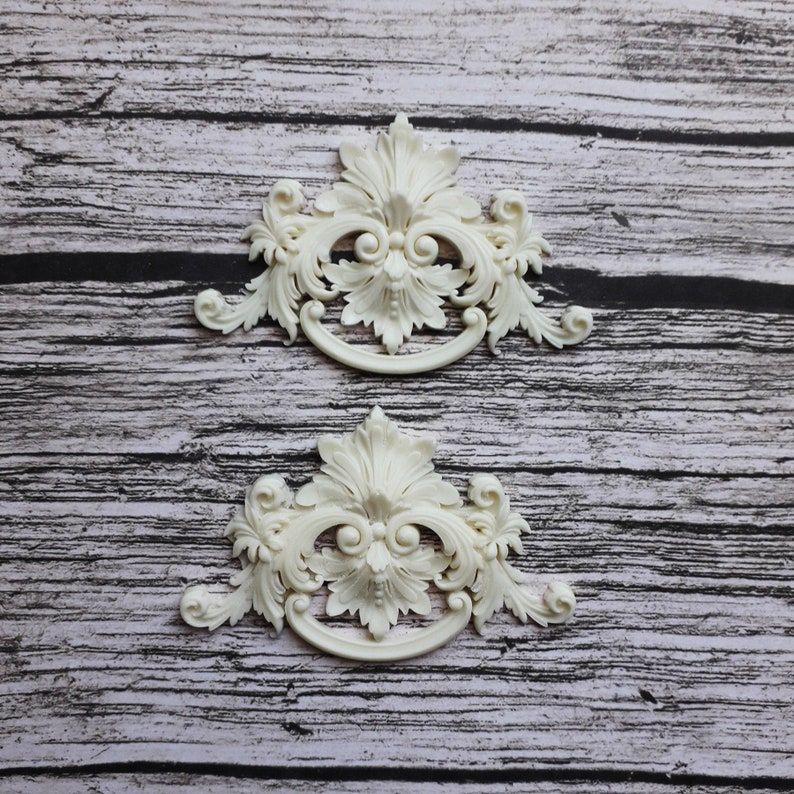 Dollhouse Miniature Column Applique Embellishment
