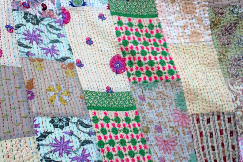 Green Handmade Kantha Quilt Hand Embroidered Sari Patchwork Kantha Blanket Cotton Kantha Bedspread Queen Size Bed Cover Reversible Throw