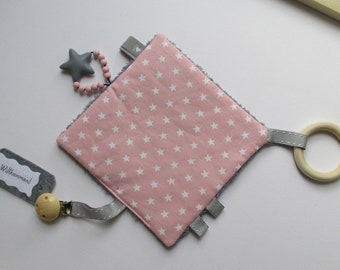 Premium crackling cloth large 17 x 17 cm, pink with stars, dark grey terry on the back, clip, large silicone star and natural wood ring