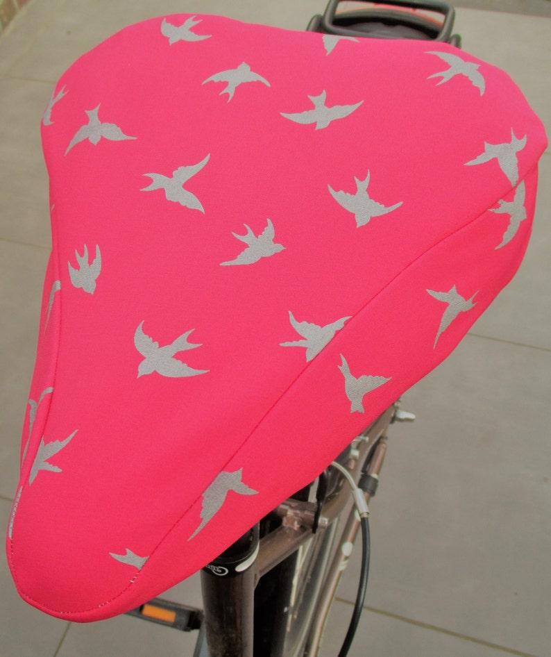 Saddle protection Softshell reflective swallows color pink image 0