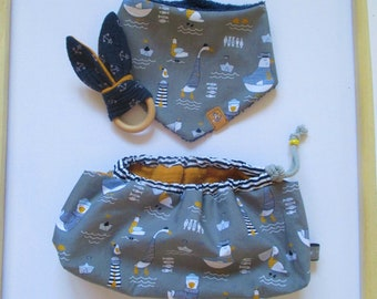 NEW Set for the baby in a great gift bag, scarf (6-14 months) plus a crackling bunny made of muslin