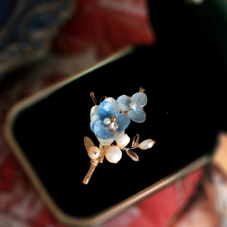 rustic floral broche Dried Real Flower Brooch gift for her broach,pin brooch jewelry gift,freshwater pearl brooch,blue flower brooch pin